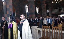 Արմավիրի Սուրբ Գրիգոր Նարեկացի եկեղեցում Հայաստանի ազգային հերոս Շառլ Ազնավուրի հիշատակին նվիրված հոգեհանգստի կարգ է մատուցվել