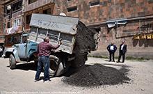 Արմավիր քաղաքի մի շարք հասցեներում փոսալցման և հարթեցման աշխատանքներ են իրականացվել
