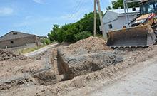 Մարզի առաջնահերթ լուծում պահանջող ծրագրի շրջանակում մեկնարկել են Էջմիածնի Արամ Մանուկյան 1-ին թաղամասում կոյուղագծի կառուցման աշխատանքները