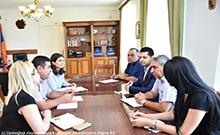 Մարզպետն ընդունել է «Դասավանդի՛ր, Հայաստան» կրթական հիմնադրամի պատասխանատուներին