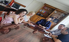ՀՀ Արմավիրի մարզպետ Համբարձում Մաթեւոսյանը հանդիպում է ունեցել «1000 տարվա գյուղամեջ» փառատոնի նախաձեռնող խմբի հետ: