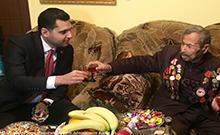 Ամանորին ընդառաջ մարզպետն այցելել է Մեծ հայրենականի վետերան Շմավոն Ամիրխանյանին