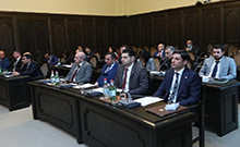 Պարետի ցուցումների կատարման վերահսկողությունը մարզերում դրվել է մարզպետների, իսկ Երևանում՝ քաղաքապետի վրա