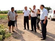Մարզպետ Աշոտ Ղահրամանյանը շարունակում է այցելել համայնքներ` ծանոթանալու բերքահավաքի ընթացքին